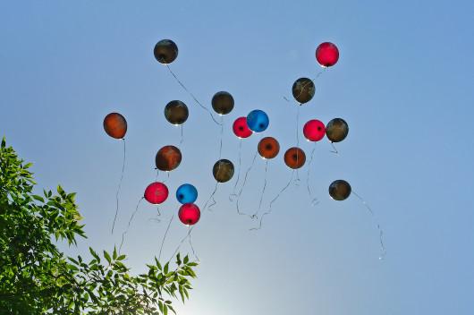 releasing-balloons